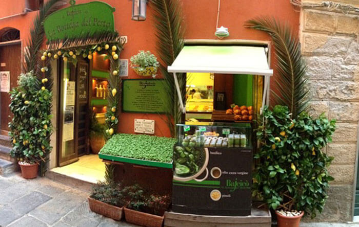 Pesto Shop and Laboratory in Portovenere