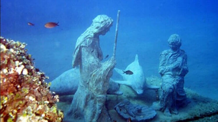 Underwater Christmas Nativity Scene in Liguria