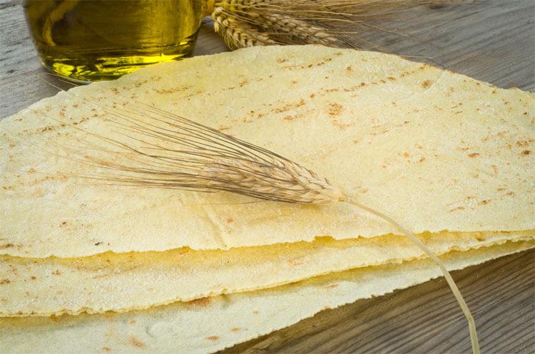 Carasau Bread from Sardinia, recipe. Photo from genteinviaggio.it