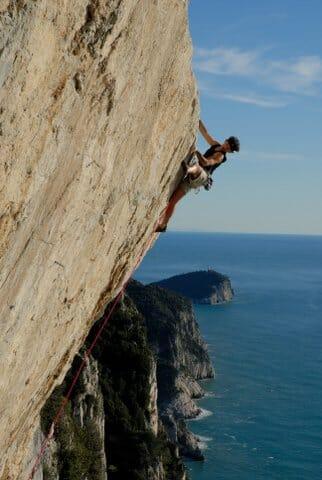 Rock climbing in Liguria: Muzzerone Cliffs in Portovenere