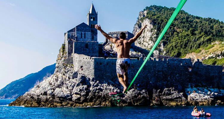 Slackline between Portovenere and Palmaria Island, Liguria