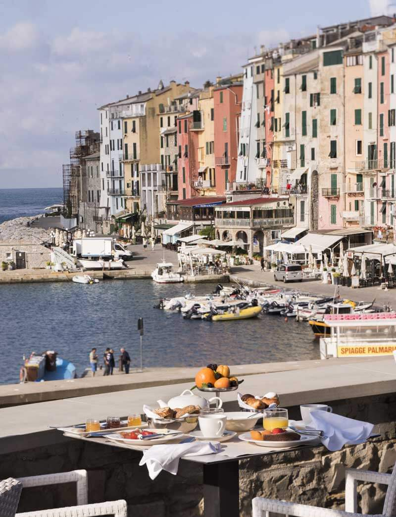 Sea-view breakfast in Cinque Terre's neighbor, Portovenere